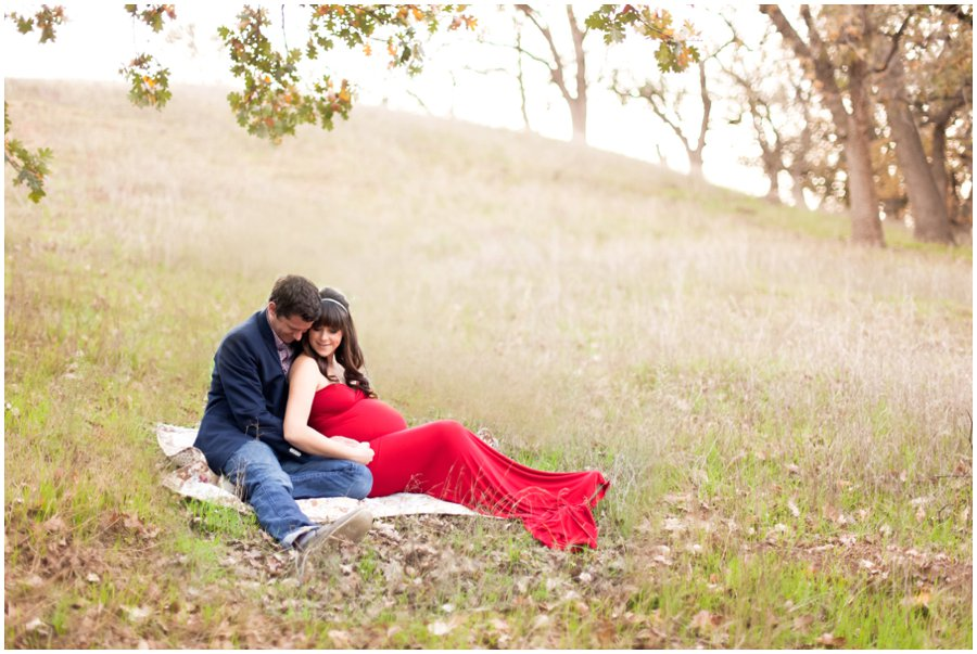Initimate Maternity portraits outdoors by Just Maggie Photography - Los Angeles Maternity and Newborn Photographer