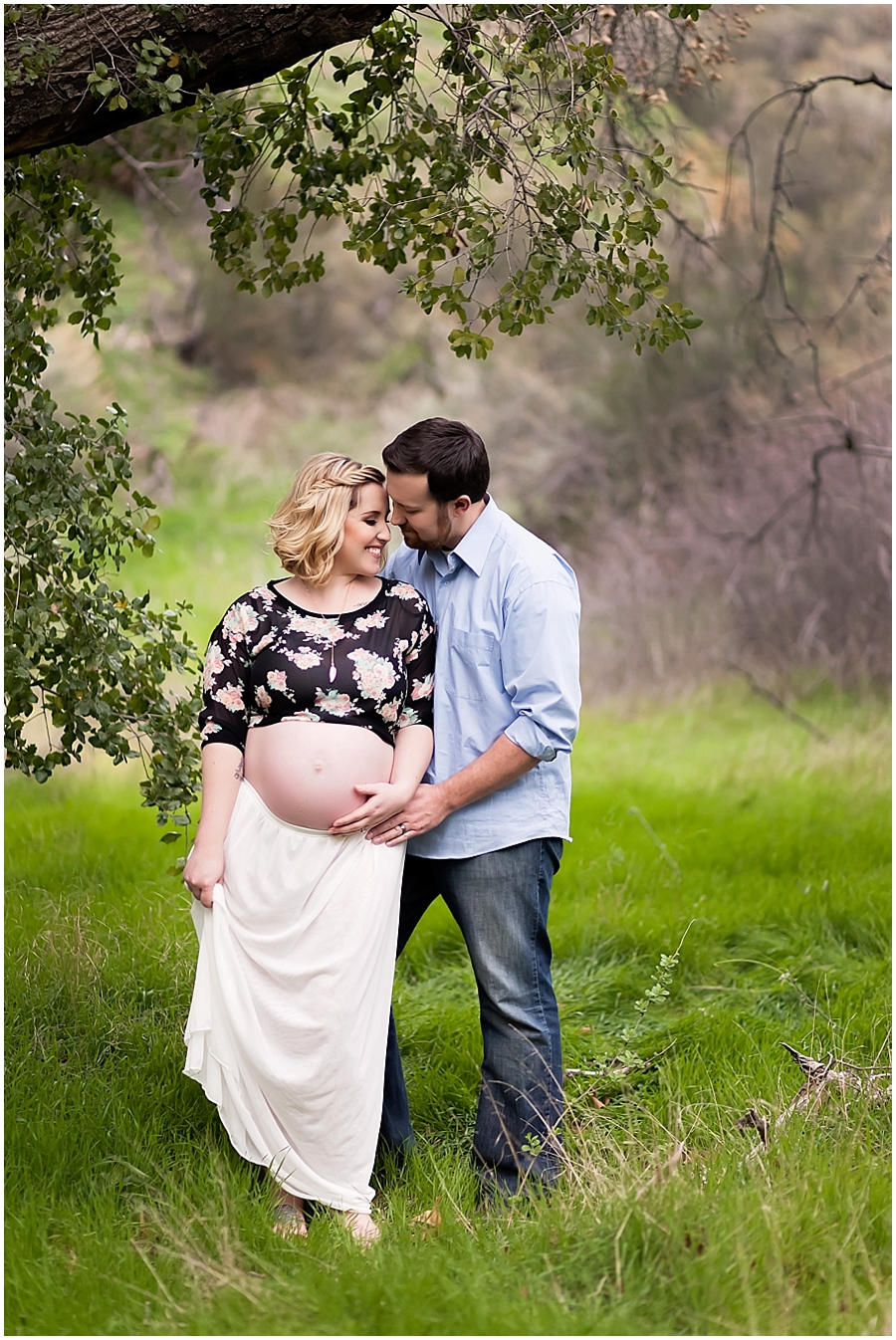 Maternity Portraits Outdoors under an Oak Tree by Just Maggie Photography -- Los Angeles Maternity and Newborn Photographer