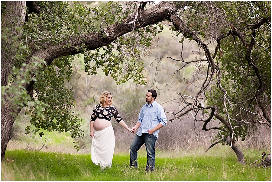 Modern Maternity Portrait Photography under an Oak Tree by Just Maggie Photography -- Los Angeles Maternity and Newborn Photographer