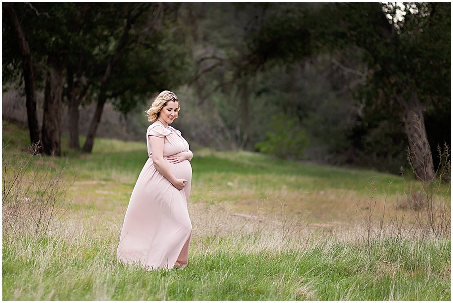 Romantic Outdoor Maternity Portraits in a field by Just Maggie Photography -- Los Angeles Maternity and Newborn Photographer