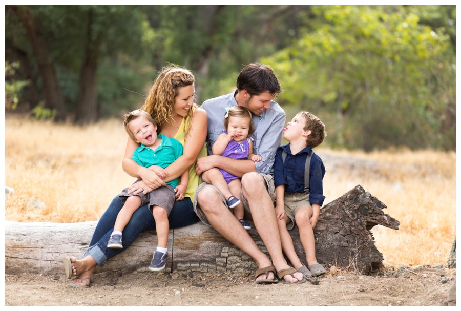 Candid family portrait photography by just maggie photography los angeles family photographer